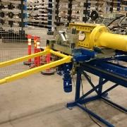 Zastosowany w przewijarce zintegrowany z układaczem hydrauliczny odcinak do kabli
